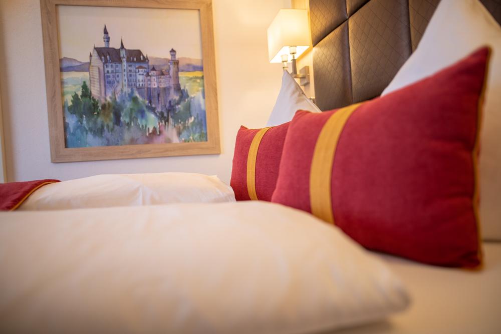 Hotel Ludwigs Deluxe Mehrbettzimmer  Das Hotel Ludwigs Fu  ssen LQ  BEK Service 54